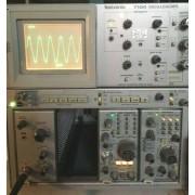 Tektronix 7104 1GHz Oscillosope Mainframe OPT 02, 03 - Part/Not Working
